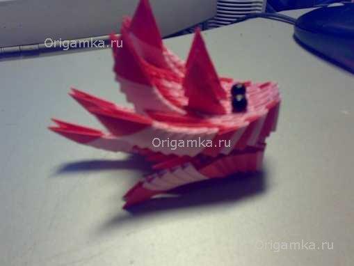 Теперь лодка-дракон готова к