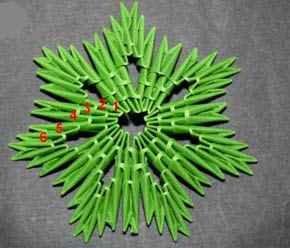 """Модульное оригами """"Елка"""""""