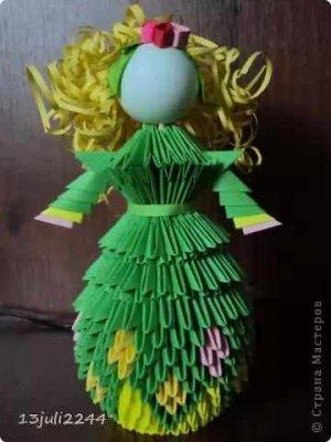Кукла в зеленом платье