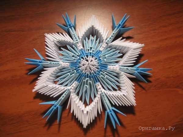 Сделать снежинку из бумаги объемную