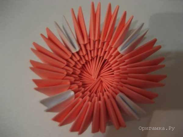 Блюдце из модульного оригами