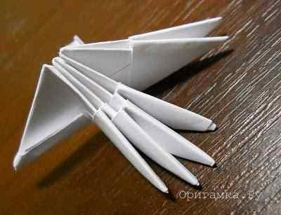 Модульное оригами лебедь с сердцами - автор Александр Повалий