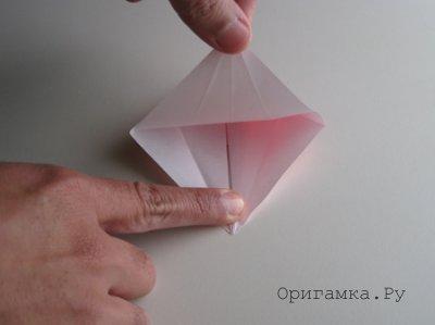Рыбка кои из цветной бумаги