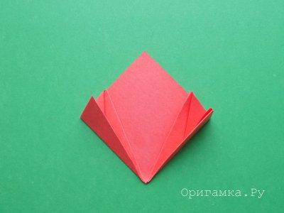 Рождественская звезда «Пуансеттия» из бумаги в технике оригами