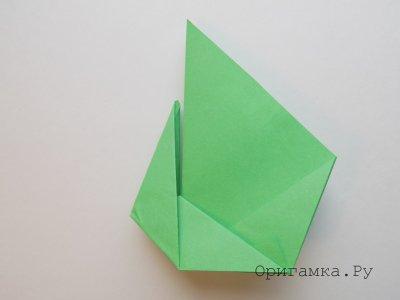 Павлин из бумаги в технике оригами